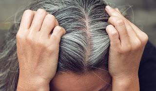 Beyazlayan Saçlar Eski Rengine Dönebilir Mi?