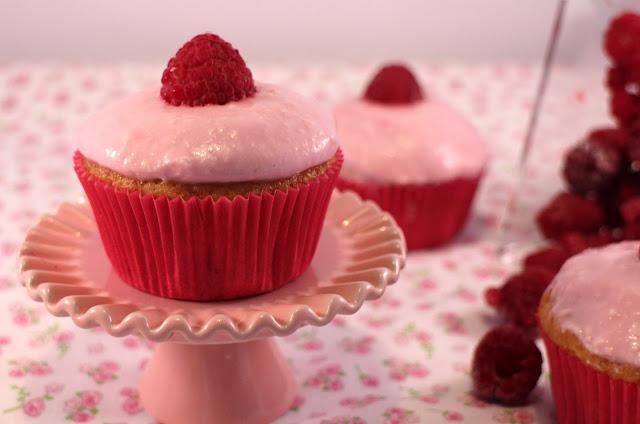 cupcakes-de-frambuesas, raspberry-cupcakes