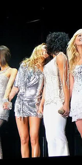 Geri Halliwell Horner lesbian kiss Mel B Melanie Brown. PYGear.com
