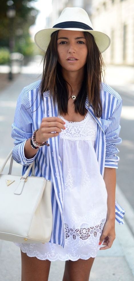 how to wear a striped shirt : hat + white bag + dress