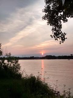 Rivière des prairies coucher de soleil