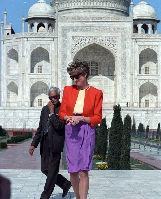 1992 visit to Taj Mahal of parents of William, Charles and Princess Diana of Wales is deemed as a touching memory. The photos of Princess of Wales in front of Taj Mahal building showing her sitting alone caused widespread speculations