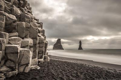Reynisfjara Black Sand Beach_by_Laurence Norah-14