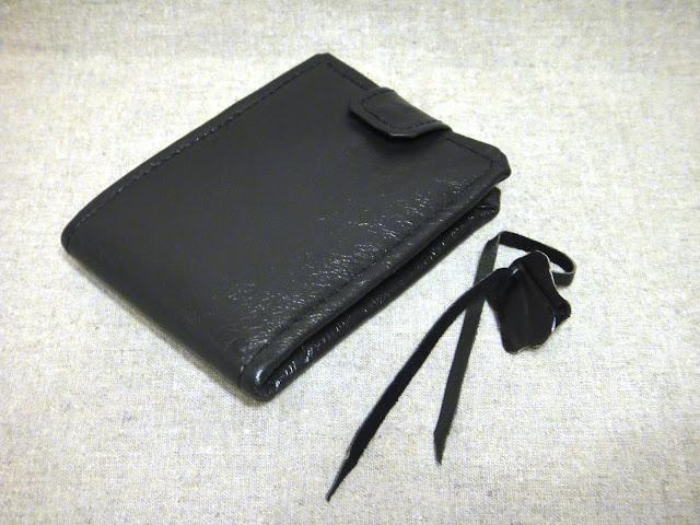 Мужской кошелек портмоне - натуральная кожа, черный бумажник. Инициалы на обороте - персональный подарок мужчине