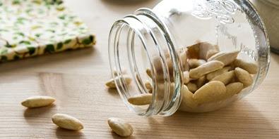 10 Khasiat Kacang Almond untuk Kesehatan Tubuh