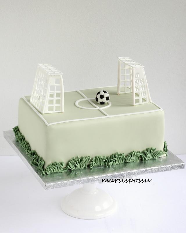 Jalkapallokenttäkakku