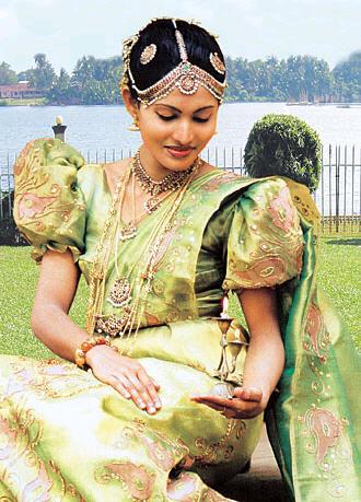 0edb33668c4e7 عروسة من كل جنسيات العالم Sri-lankan-brides