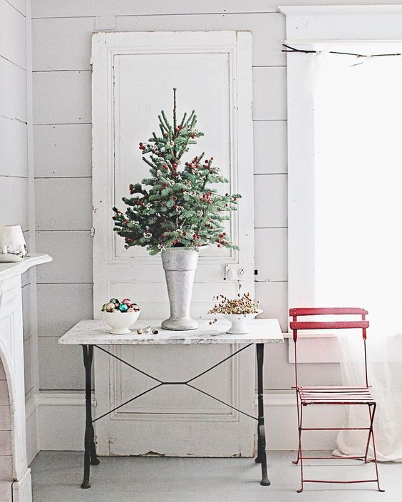 Dreamy Whites romantic Farmhouse Christmas holiday decorating shabby chic