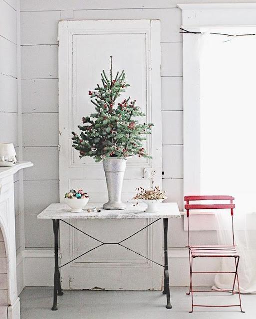 Dreamy Whites romantic Farmhouse Christmas holiday decorating shabby chic