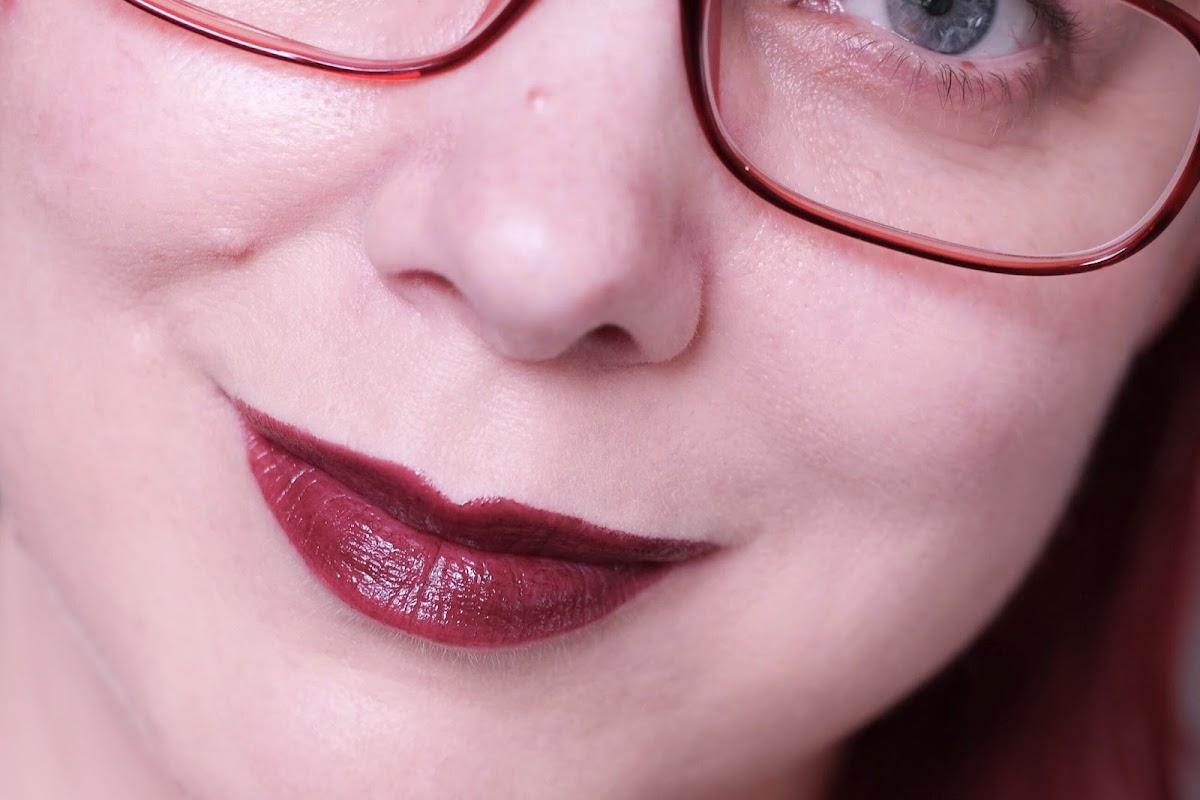 burgunder Lippenstift Swatch
