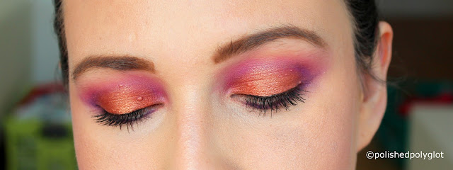 Bold & bright Makeup look in neon pink and copper