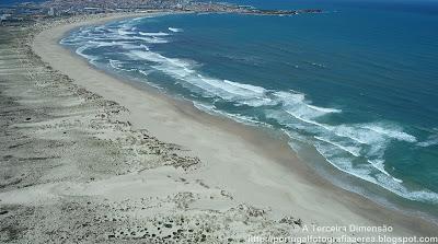 Praia da Cova de Alfarroba (Praia da Baía)