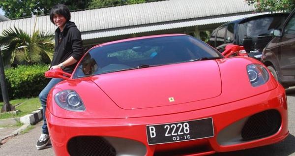 Kevin Aprilio Rela Jual Ferrari Demi Beli Rumah Mewah 4 Lantai di Kemang