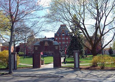 Dean College, Main St, Franklin, MA