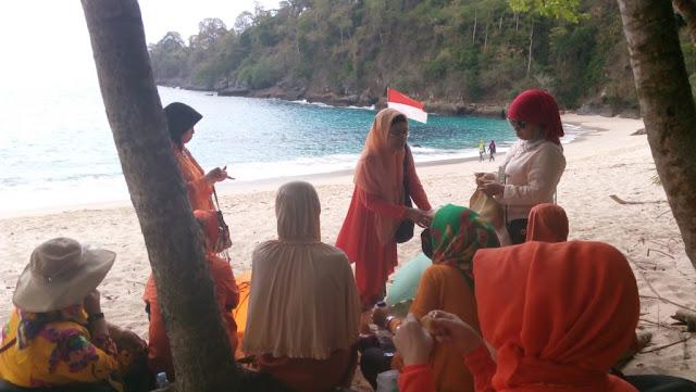 paket wisata banyuwangi 3h2m - Teluk Hijau
