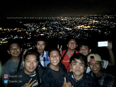 Kota batu malang pada malam hari dari ketinggian