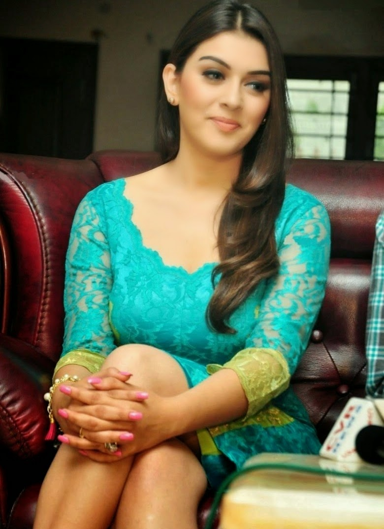 Actress Celebrities Photos Hansika Motwani Cute Leg