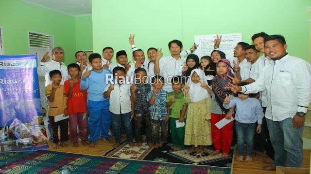 Riaubook merayakan Ultah ke 2 bersama anak-anak yatim