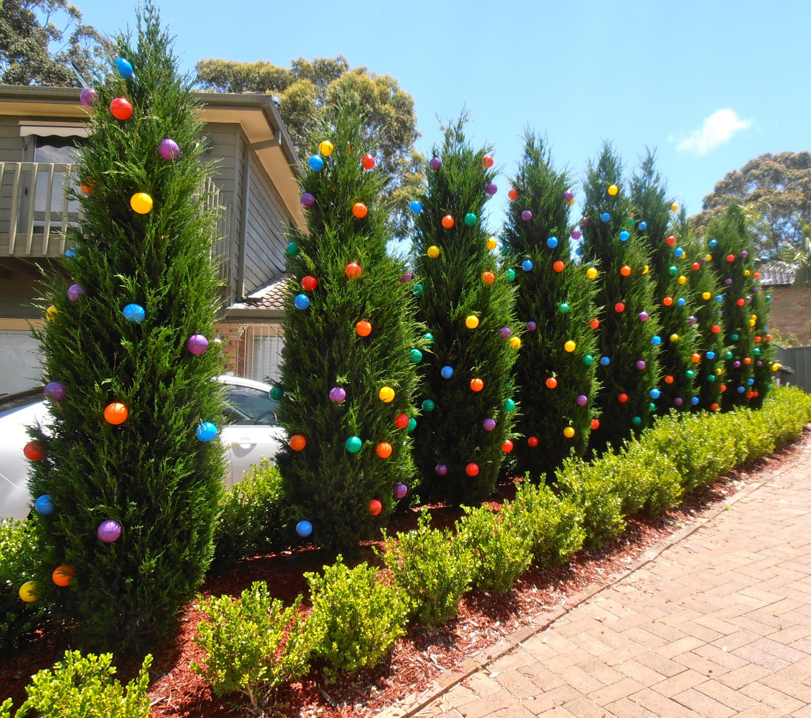 Giggleberry Creations!: Decorating Our Outdoor 'Christmas