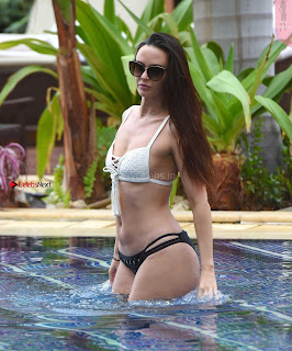 Jennifer+Metcalfe+in+Bikini+at+a+Pool+in+Tenerife+hot+ass++Booty+Cleavages+Ass+Boobs+-+SexyCelebs.in+Exclusive+005.jpg