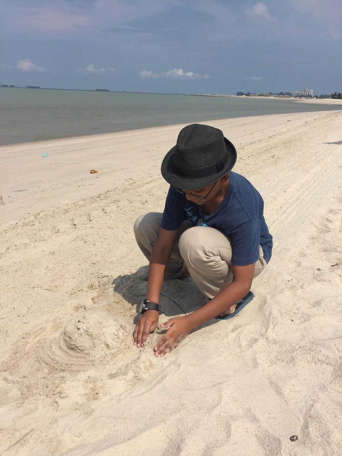 bermain pasir, klebang