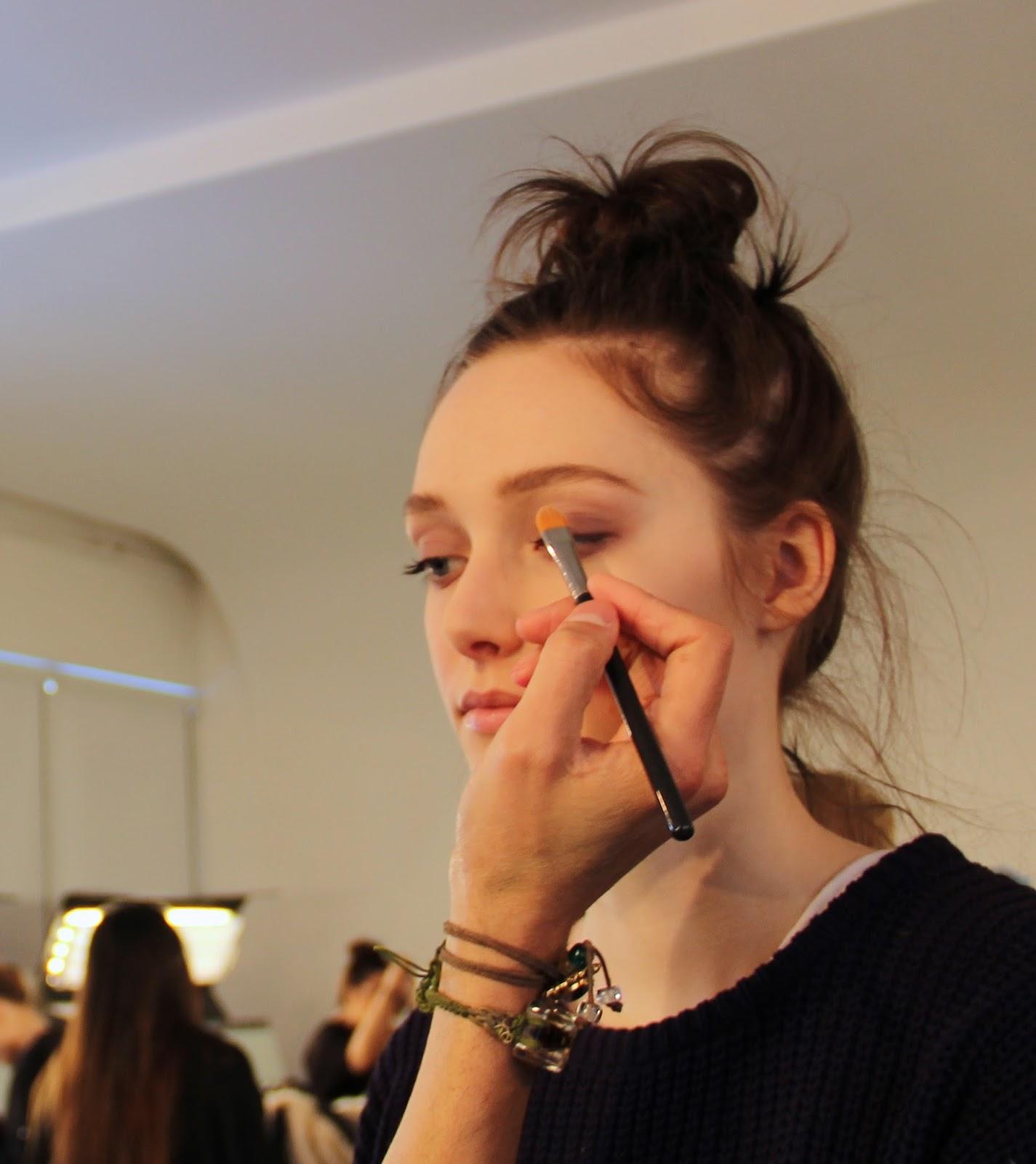 Beauty & Health Eyebrow Enhancers 3 Colors Beauty Eyebrow Enhancer Professional Eye Brow Makeup Eyebrow Powder Eye Shadow Eyebrow Make Up Palette New 2018 Quell Summer Thirst