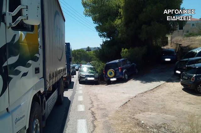 Εξοργιστική η κατάσταση με το ανεξέλεγκτο πάρκινγκ των αυτοκινήτων στην Κόστα Ερμιονίδας