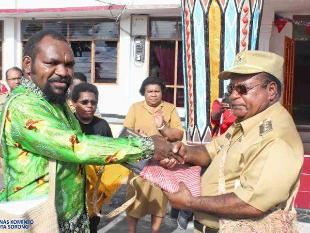 Yayasan Noken Papua Beri Penghargaan Unesco Award ke Pemkot Sorong