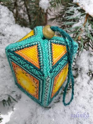 вышитый фонарик вышивка фонарик вышитая игрушка на елку