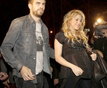 Foto del embarazo de Shakira junto a su amor