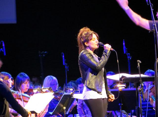 Music Television, MusicTelevision.Com, Susan Calloway, Paris,