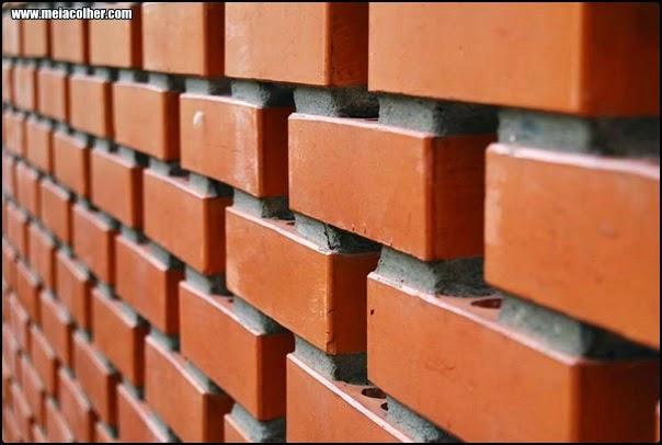 construção feita com tijolos laminados