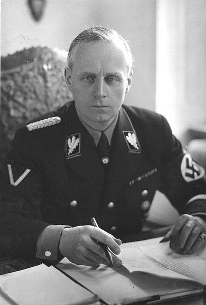 Joachim vom Ribbentrop salah satu pemimpin nazi yang terlibat pembantaian etnis yahudi