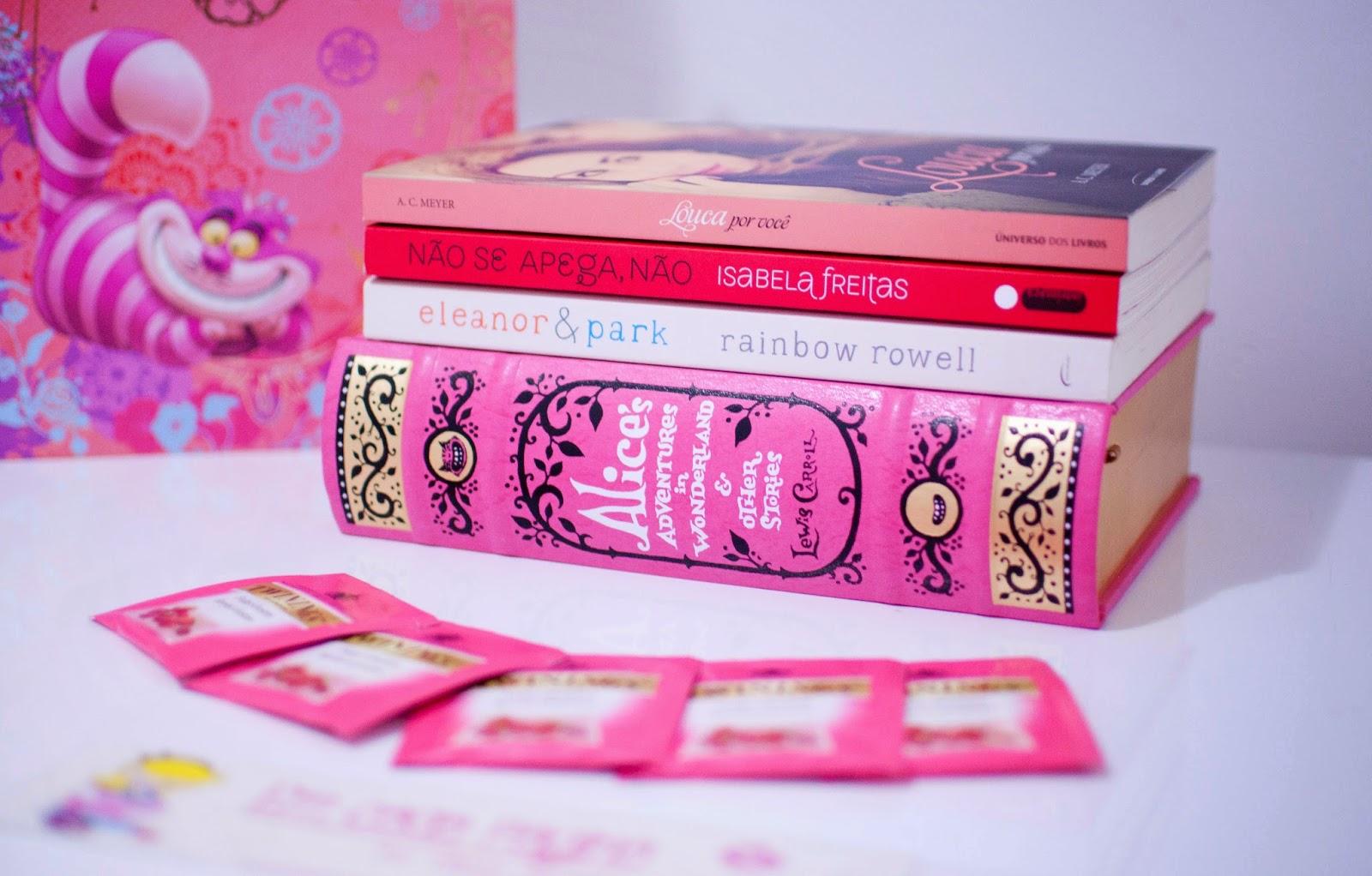 Outubro Rosa: Campanha de combate ao câncer de mama.