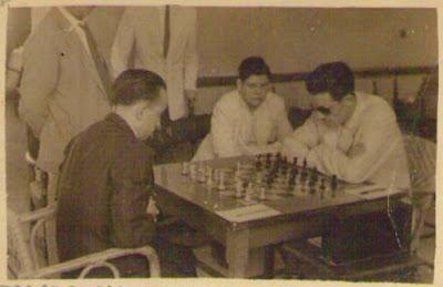 Partida de ajedrez Joaquim Bosch - Francisco José Pérez, I Torneo Nacional de Melilla 1947