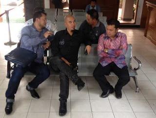 Ahmad Dhani datangi pengadilan negeri Jakarta Selatan