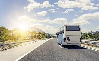 Relato sobre un viaje en autobús y sobre música