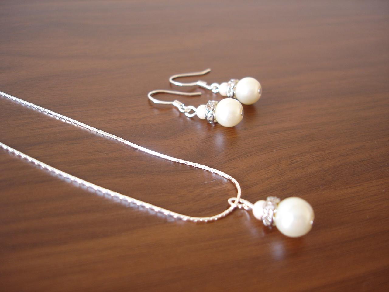 RBJohnson Designs: Bridesmaid jewelry sets under 20