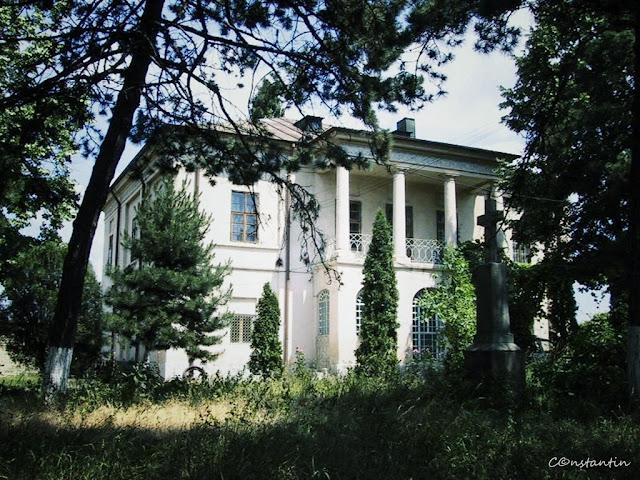 Mãnãstirea Frumoasa - Palatul de pe ziduri - blog Foto-Ideea