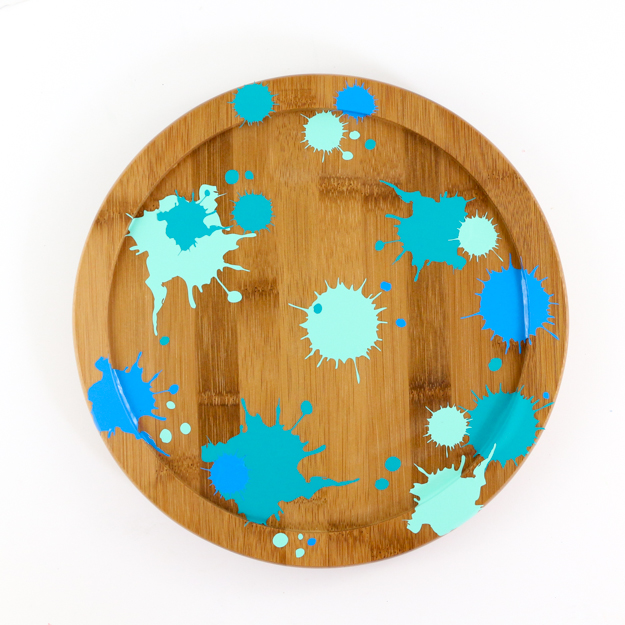 DIY Faux Splatter painted lazy susan craft - Learn how to use adhesive vinyl to create a splatter paint look with free cut file - target style colorful home decor ideas