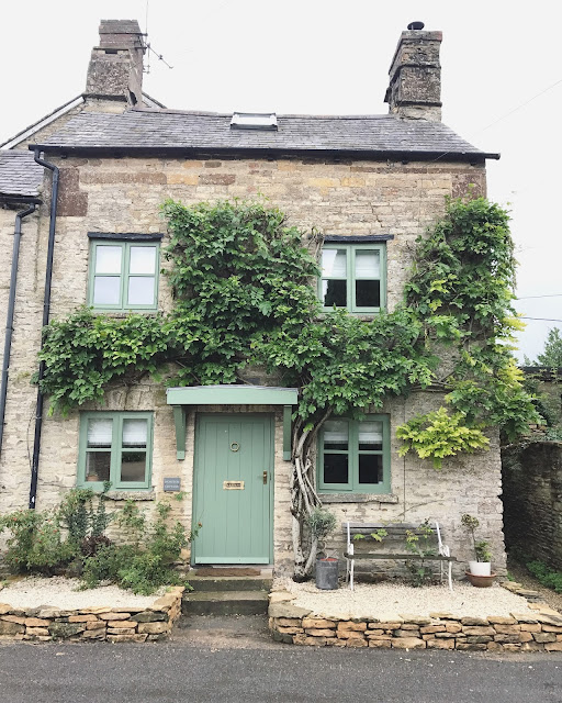 This Time To The Cotswolds Are One Of Our Very Favourite Areas Uk Chocolate Box Villages Rolling Fields And Farm