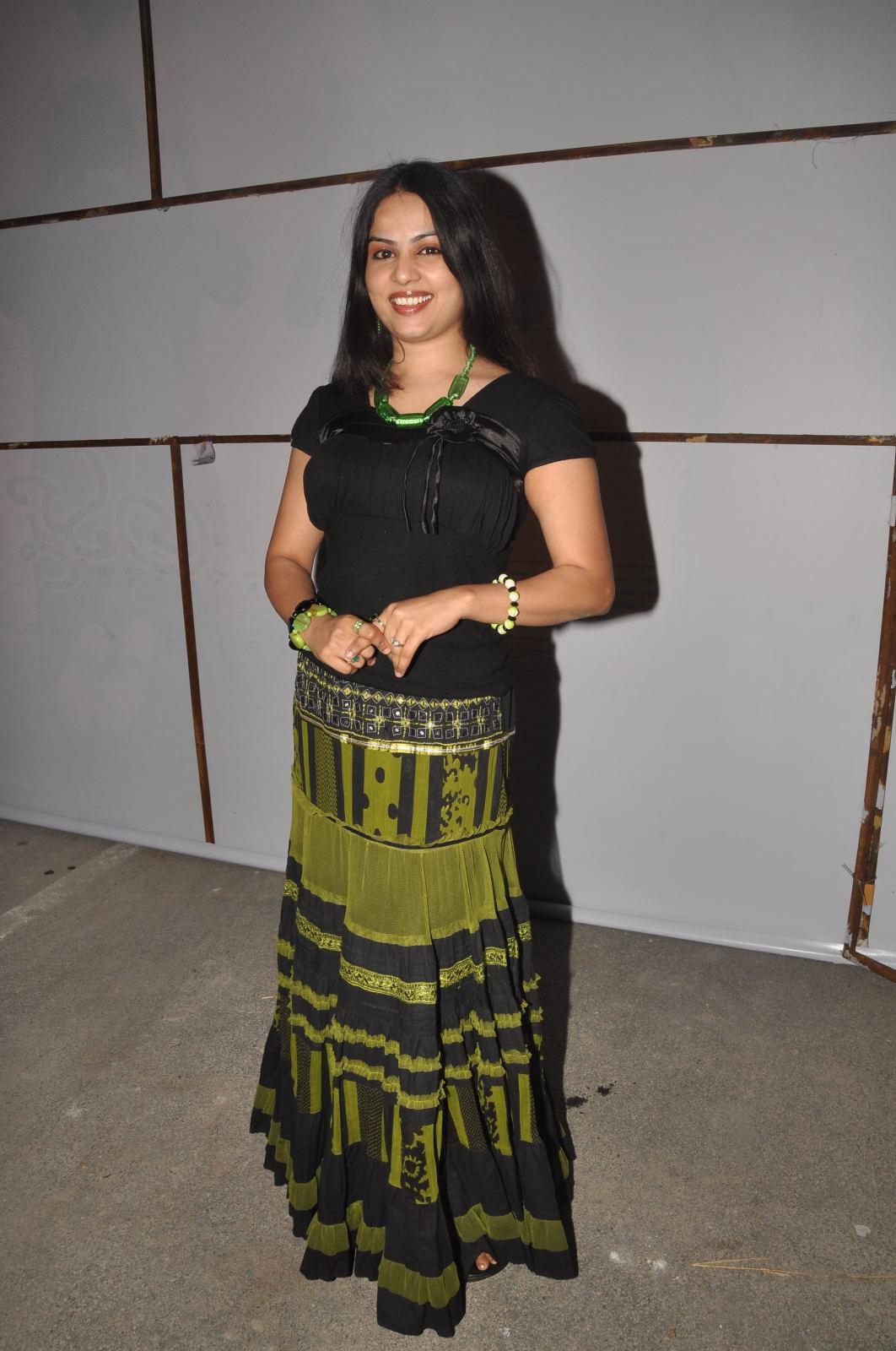 Chitralekha amma nanna oorelithe movie hot stills