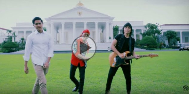 VIDEO: Anak Bungsu Jokowi Kaesang Nge-rap Lagu 'Bersatulah' Di Istana Negara