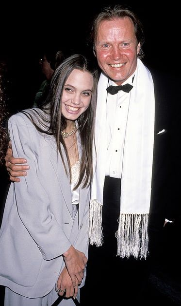 Foto de Angelina Jolie feliz con su papá