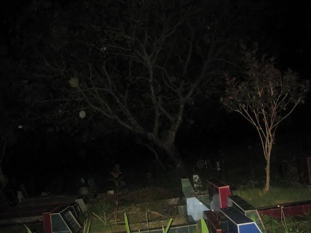 Merinding, Beginilah Gambaran Malam Pertama di Alam Kubur