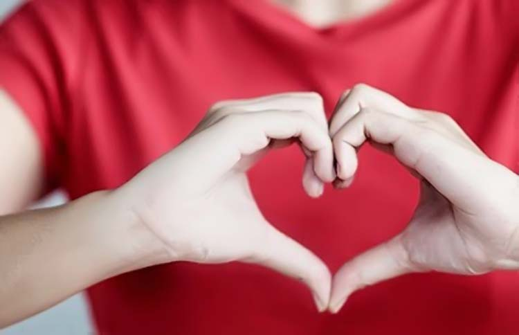 Membuat Smoothies Untuk Kesehatan Hati