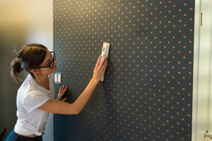 How to install wall papers