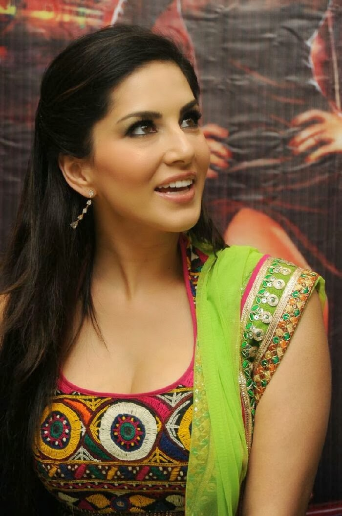 Sunny leone sex with a boy-6675