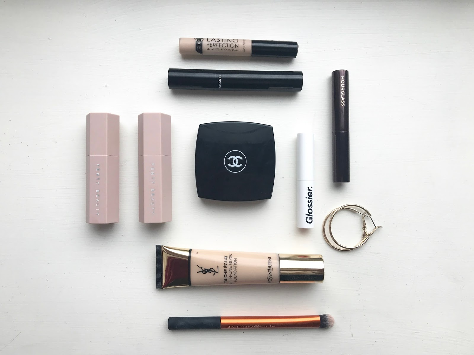 my weekend away capsule makeup collection + some new bits and bobs