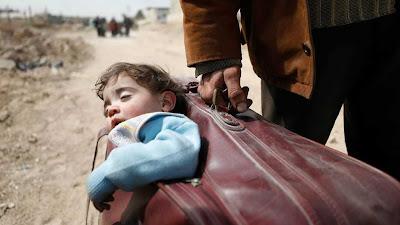 http://www.tvi24.iol.pt/internacional/muhammad-najem/muhammad-o-jovem-de-15-anos-que-nos-mostra-a-guerra-na-siria-nas-redes-sociais